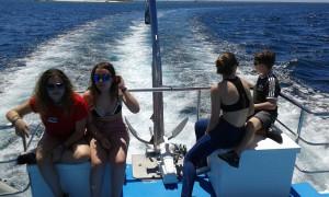 Na proa en alta mar
